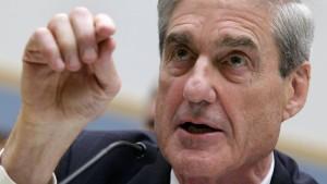 Mueller klagt 13 Russen wegen Wahleinmischung an