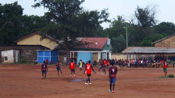 Hartplatzhelden aus Ghana