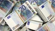 Hauptsache flüssig: Mit der richtigen Vorsorge sollten Geldsorgen auf hohem Niveau stattfinden