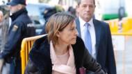 Die Sprecherin des entmachteten katalanischen Parlaments, Carme Forcadell, bei ihrer Ankunft am Gericht.