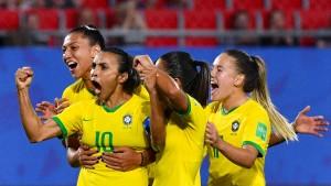 Marta schießt Brasilien mit Rekordtor ins Achtelfinale