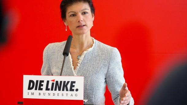 Zweifel an Verfassungstreue von Linkspartei und AfD