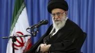 Chamenei fordert Entschuldigung von Saudi-Arabien