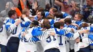Finnlands frischgebackene Weltmeister bejubeln den dritten Eishockey-WM-Titel für das skandinavische Land.