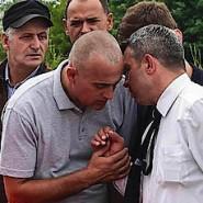 Abschied: Angehörige und Freunde tragen Diamant Z., ein Opfer des Münchner Amokläufers, am Dienstag in Ropica im Kosovo zu Grabe.