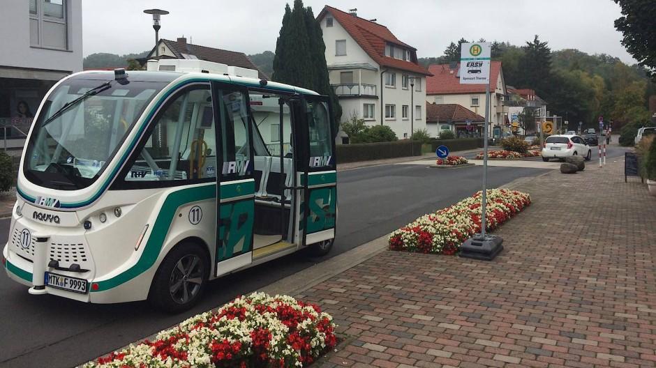 Der Mini-Bus mit dem Namen EASY soll demnächst Passagiere befördern.