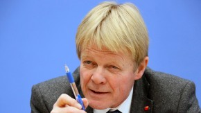 Der Vorsitzende des Deutschen Gewerkschaftsbundes DGB, Reiner Hoffmann, hofft auf eine überarbeitete Version des Handelabkommens mit Kanada