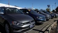 VW-Autos bei einem Händler in Kalifornien.