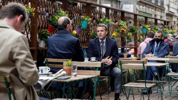 Macron tritt gegen Youtuber an