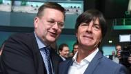 Reinhard Grindel zum neuen DFB-Präsidenten gewählt