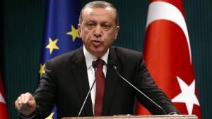 Türkische Regierung schließt mehr als hundert Medienanstalten