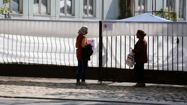 Bürger wissen zu wenig über Flüchtlinge und Asyl