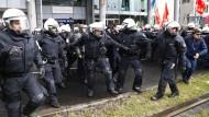 AfD-Parteitag startet unter scharfen Sicherheitsvorkehrungen