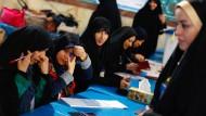Iraner wählen neues Parlament und Expertenrat