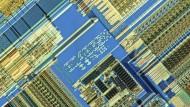 Eine Computer-Platine mit einem 80486 SX Mikroprozessor von Intel
