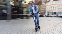 """Frankfurt heißt E-Scooter nicht gerade willkommen"""