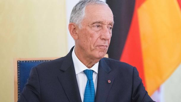 Portugals Präsident rettet zwei Frauen in Seenot