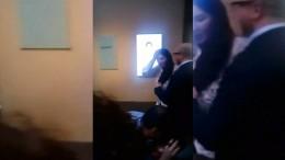 Mann attackiert Künstlerin mit Leinwand