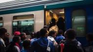 Italien will Flüchtlinge zum Zwischenstopp in Südtirol auffordern