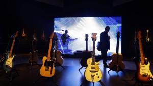 Pink Floyd-Gitarrist versteigert Gitarren für 21,5 Millionen Dollar