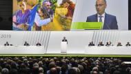 2019 vor vollem Haus: Bayer-Chef Werner Baumann spricht auf der Hauptversammlung in Bonn.