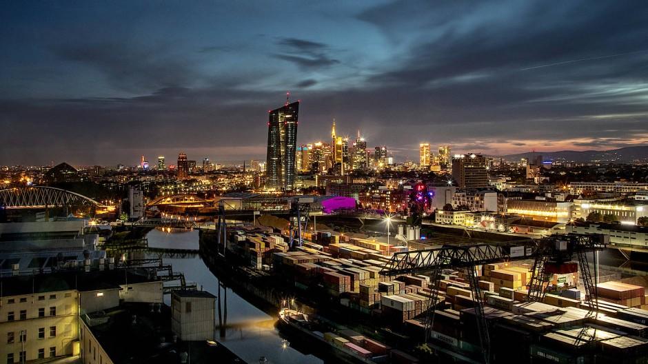 Mit einem Theater oder einer Oper im Osthafen könnte das Zentrum der Stadt wachsen.