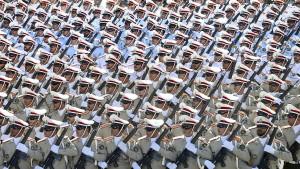 Iran reagiert mit Spott und neuen Raketentests