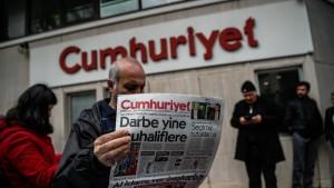 Cumhuriyet-Herausgeber festgenommen