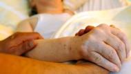 Hohe Akzeptanz für Sterbehilfe in der Bevölkerung