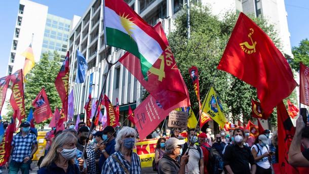 Kommunisten zu langer Haft verurteilt