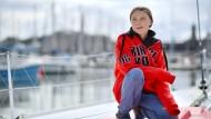 Greta Thunberg gestern an Board des Segelschiffs, mit dem sie den Atlantik überqueren will