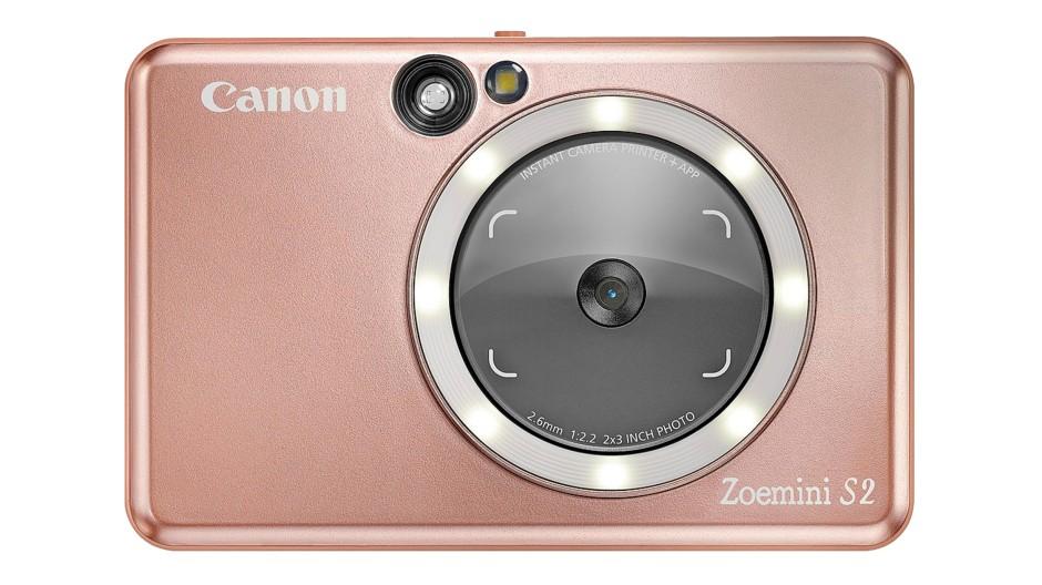 Spiegelfechterei: Für die obligatorischen die Selfies ist das Objektiv der Sofortbildkamera Zoemini S2 mit einer reflektierenden Fläche und einem Leuchtdioden-Ring umgeben.