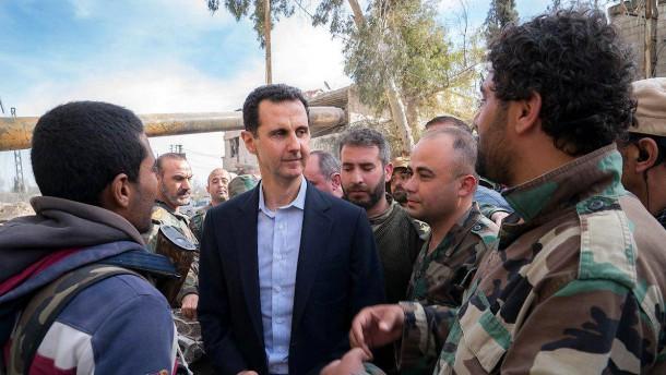 Syrische Regierung rüstet Truppen auf