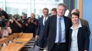 Ein Bild aus scheinbar glücklicheren Tagen: Jörg Meuthen und Frauke Petry im März 2016 in der Bundespressekonferenz in Berlin.