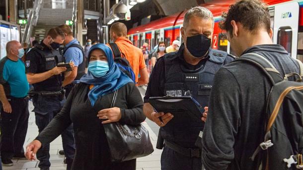 Abermals fast 1000 Neuinfektionen in Deutschland