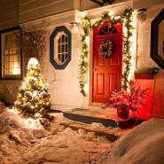 Türchen 24: Für viele, die Weihnachten bei ihren Eltern verbringen, bedeutet der Besuch alte Traditionen und Rituale - und manchmal Überraschungen.