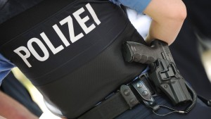 240 Eintracht- und Lilien-Anhänger liefern sich Massenschlägerei