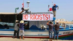 Schiff von Rechtsextremen vor tunesischer Küste blockiert