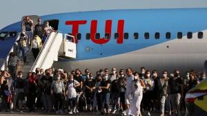 Erste deutsche Touristen wieder auf Kos gelandet