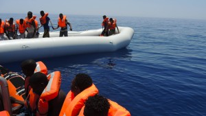 EU-Kommission will den Schlauchboot-Nachschub stoppen