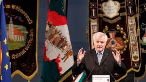 Seehofer fordert Entschädigungszahlungen