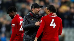 Liverpool wackelt, fällt aber nicht