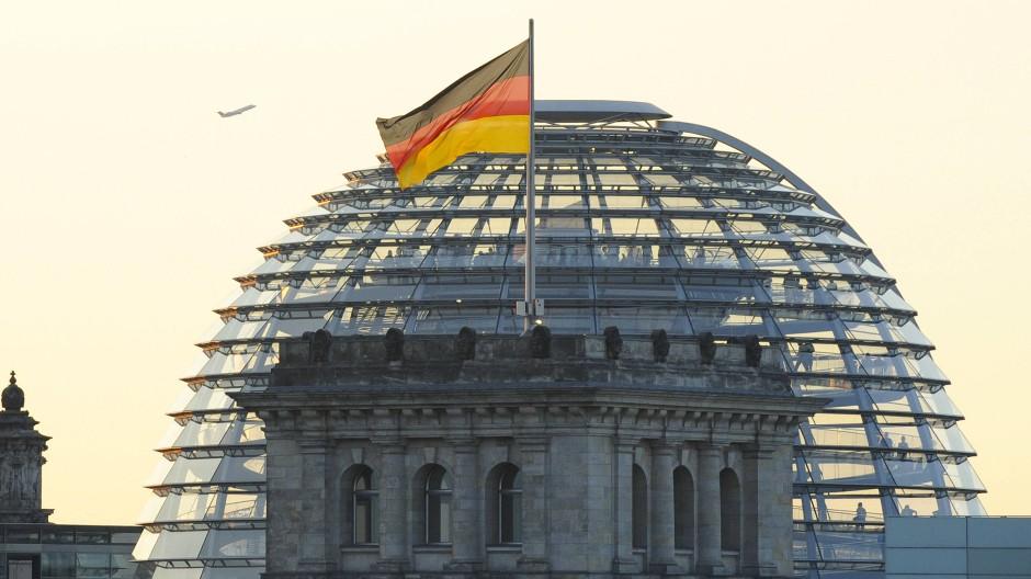 Die Kuppel des Reichstagsgebäudes am 26. Juli 2008.