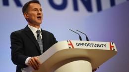 EU-Politiker fordern Entschuldigung von britischem Außenminister