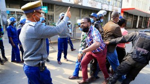 Mnangagwa steht Mugabe in nichts nach