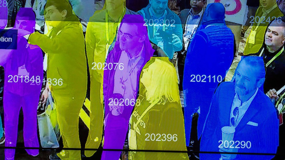 Echtzeit-Demonstration eines Algorithmus zur Gesichtserkennung in Menschenmengen auf der diesjährigen Consumer Electronics Show in Las Vegas