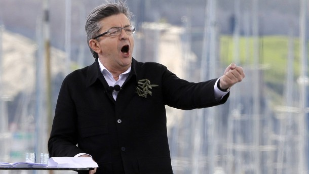 Links-Kandidat Mélenchon holt auf