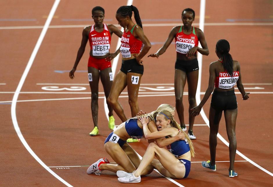 Die Amerikanerin Emma Coburn gewinnt vor ihrer Teamkollegin Courtney Frerichs - die Favoritinnen aus Afrika sind geschlagen