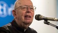 Nach schwerer Krankheit ist er gestorben: Pater Gabriele Amorth, hier auf einer Veranstaltung in Rimini im August 2006