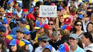 """Auf die Straßen ohne Angst"""": Venezolaner in Miami solidarisieren sich mit den Demonstranten in der Heimat."""
